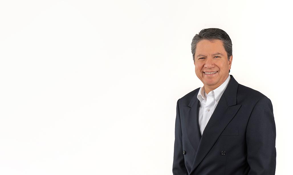 Dr. Víctor Manuel Ruiz Muñoz – Ginecólogo y obstetra