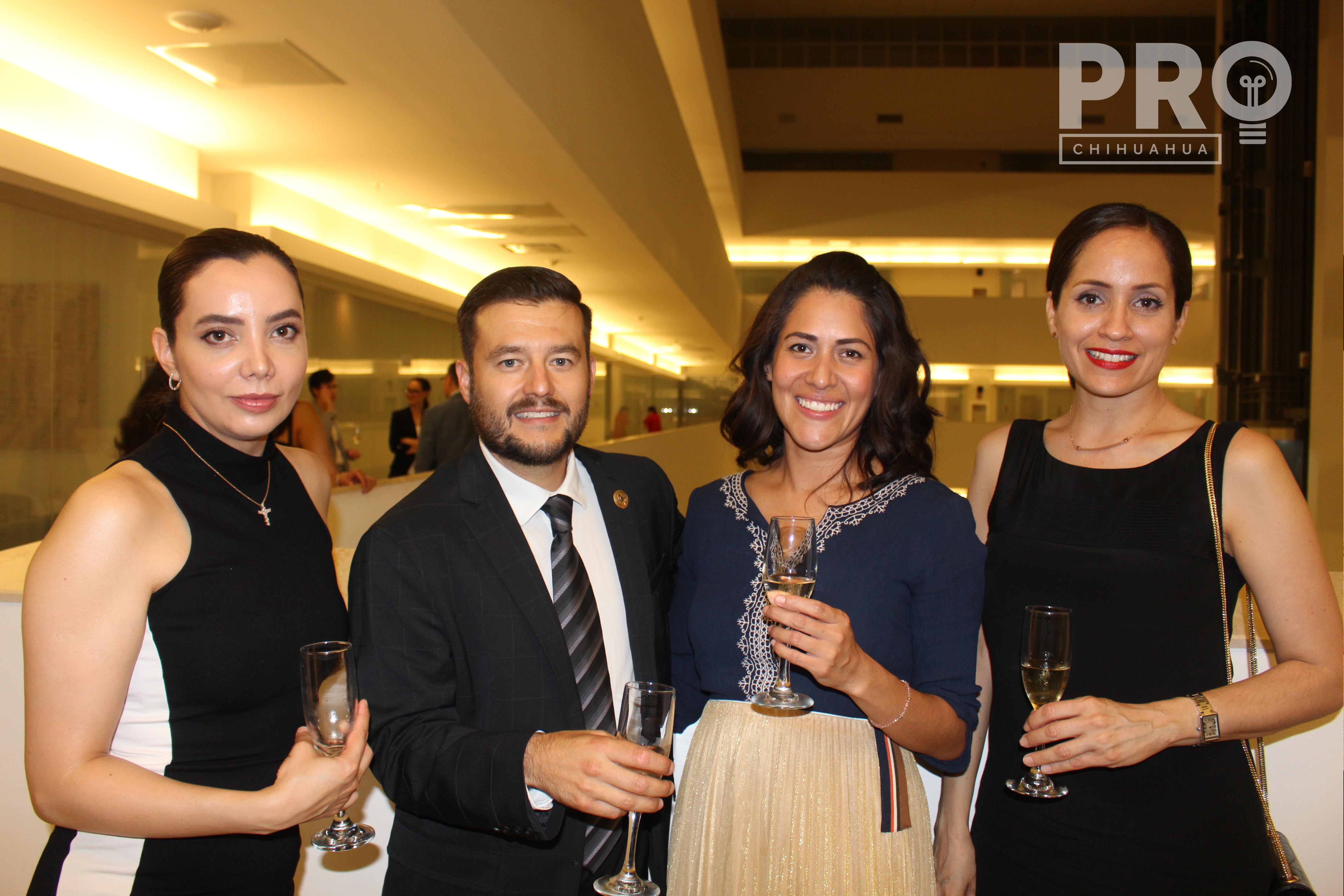 Karla Ramírez, Octavio Morales, Sandra González y Cynthia Asmaar